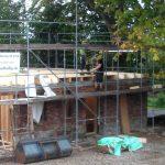 Urlaub in Nordballig - Die neuen Wände werden gestellt
